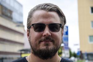 Mikael Bylund, 34 år, företagare, Njurunda.