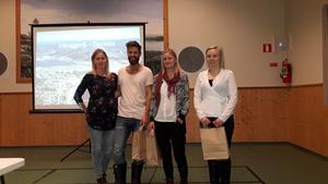 Det var bara Sofie Wedin-Niemi, Simon Niemi, Linda Rapp och Maja Öberg som hade hörsammat inbjudan till välkomstträffen. De fick en påse med Docksta tunnbröd och en årsavgift i Byalaget som välkomstpresent.
