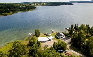 En flygbild över fastigheten vid Ulvviksstrand. Foto: Pär Olert,