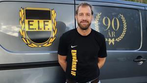 Sedan våren 2017 är det Mikael Alfredsson som styr 90-åringen Enhörna IF.