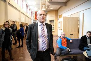 Kammaråklagare Johan Knies säger att utredarna har en bild över både händelseförlopp och dödsorsak.