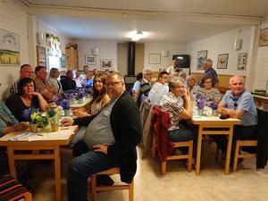 Glada lyssnare på Junselevallen. Foto: Bosse Boman