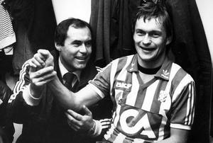 Liston Söderberg på besök hos Stig Fredriksson i IFK Göteborg i november 1982.