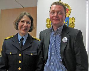 Länspolismästare Christina Forsberg och kommunalrådet Magnus Jonsson ser bara fördelar med ett ökat samarbete mellan polisen och kommunen.