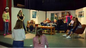 Just nu pågår repetitionerna av teatern som eleverna vid Kulturskolan i Malung ska visa i helgen.