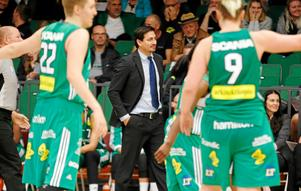 Viktor Bengtsson känner sig lättad över att Mikaela Gustafsson återvänder till Telge Basket.