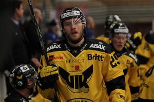 Köping HC har fått in en tillfällig förstärkning i VIK-lånet Jesper Cederberg.