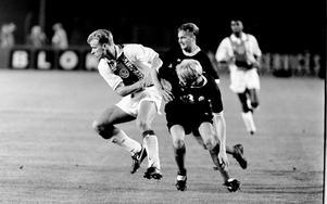 Av alla stjärnor som spelade mot ÖSK var Dennis Bergkamp den som skulle bli den största. Bergkamp gick vidare till Inter innan han blev en av Premier Leagues bästa anfallare genom tiderna. Bergkamp spelade elva säsonger i Arsenal innan han slutade 2006 – 15 år efter mötet med ÖSK.