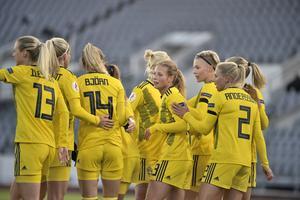 Anna Anvegård klappades om efter sitt mål. Foto: Janerik Henriksson/TT