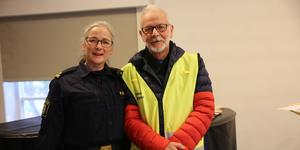 Polisinspektör Pia Johnson och polisvolontär Yngve Mattiasson kom till Krylbo församlingshem för att berätta om arbetet i projektet