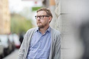 Fredrik Virtanen hyllar initiativet #tystnadtagning inom metoo, där man inte namngav någon, och alltså inte behövde hantera skuldfrågan i enskilda fall. Rörelsen födde mycket bra, menar han: