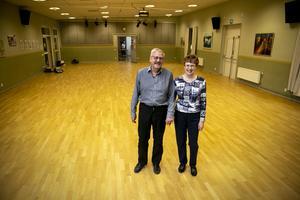 Ett golv, minst i klass med Forums, inbjuder till mycket dans framöver. Lars Östlund och Gunilla Norman hoppas på många deltagare till premiären 14 januari.
