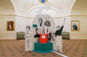 Införandet av kvinnors rösträtt i Sverige har en given del i utställning Fira demokratin. Foto: Anders Löwdin/Sveriges riksdag