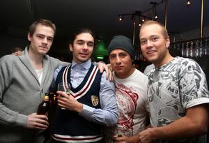Blue Moon Bar. Jonas, Sebastian, Joppe och Marcus.