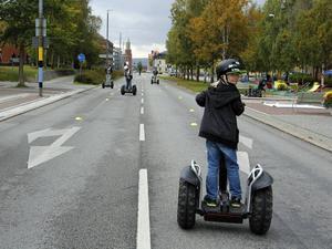 Segway är ett utskrattat färdmedel, men det är också uppenbarligen roligt och många, särskilt barnen, ville testa på. Dessutom tycker representanter från Grön trafik att det är ett bättre sätt att ta sig fram än med bil.