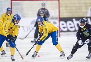 Olov Englund i bronsmatchen mot Kazakstan i VM.