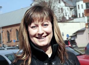 Helena Olsson, 45 år, egen företagare, Gävle– Nej, egentligen inte. Jag är nog för än så länge men det är en svår fråga.