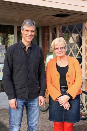 Projektledaren Ola Granholm och kommunchefen Elisabeth Rooth Eriksson ser med spänning och optimism på projektet.