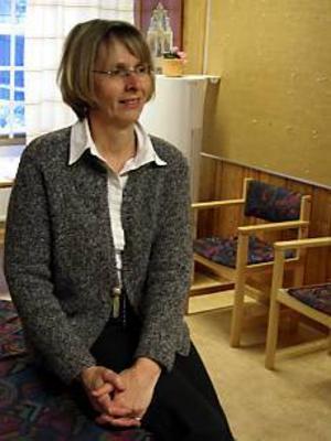 Rektor Inger Isaksson är imponerad av hur bra man klarar integrationen av nya flyktingbarn på Björksätra. Bara det är ett tillräckligt gott argument för att rädda skolan, menar hon.