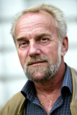 Uno Palander, 56 år, sjukpensionär, Sundsvall:- Det borde vara någon annan yngre icke-socialdemokrat med fart i.