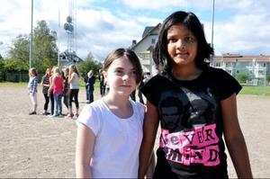 – Det känns bra att börja skolan igen, tyckte Weronika Konatowska och Prasamsa Aryal och i klass 5A.