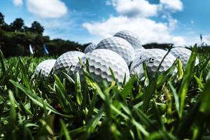 Golfbollar har stulits från driving rangen i Sandnäset.