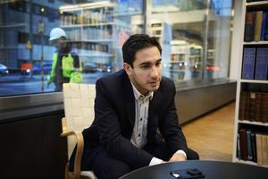 Civilminister Ardalan Shekarabi vill dela in Sverige i nya regioner.