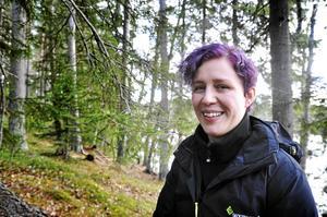 Skogsvårdskonsulenten Sara Toivanen beklagar att det inte kan betala ut några pengar för skogsskydd till markägare tills vidare, men hoppas att myndighetens ekonomiska problem kan lösas under året.
