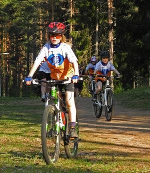 Andreas Dahlgren, 9 år, är en av de unga cyklisterna som kommer att delta i Borlänge Tour, som välkomnar allt från proffs till amatörer.