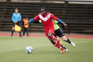 Anthony Allison, tidigare skyttekung både i IFK Sundsvall och i Härnösands FF, är mer eller mindre klar för Frånö.
