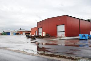 Flera av industrierna i Norrborn kommer att kunna anslutas under senhösten om allt går som beräknat.
