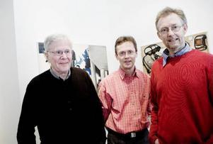 Birgit Ståhl-Nybergs make Hendrik samt sönerna Mikael och Robert var på plats på vernissagen på Galleri Bolin.