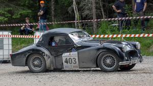 Hans-Göran Melander och Maj-Lis Melander, Triumph Tr2.