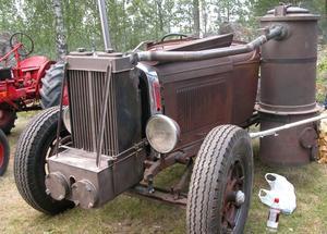 Veterantraktor. Denna A Ford EPA från 1940 var en av veterantraktorerna som ställdes ut vid Strandbackens Folkpark igår.