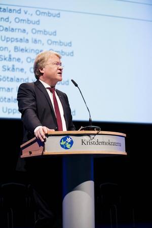 Lars Adaktusson, här under Kristdemokraternas riksting i Västerås i fjol, har drivit frågan om IS brutalitet under sin tid som EU-parlamentariker, konstaterar tre KD-skribenter.