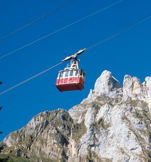 Gamla kabinbanan upp mot Picos de Europa.- och en av de mest genuina och bästa!