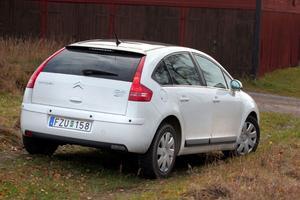 Knappast lika ren som vindkraft, men Citroën C4 Bioflex är miljöbilsklassad och ger återbäring om köpet sker före årsskiftet.