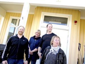 Gillar sitt jobb. Lisa Olsson, Gunilla Björkman, Pär Stenström och Henrik Knapp jobbar med unga människor som vill utveckla sin livssituation.