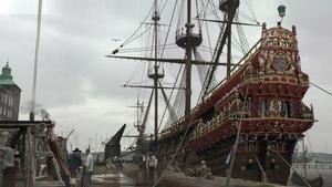 """FLYTANDE KATASTROF. Vi recenserar en bok om Regalskeppet Vasa samt dramadokumentären """"Vasa 1628"""" som börjar sändas i SVT i kväll."""