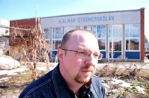 """""""Jag ger mig inte förrän någon av mina böcker ges ut av ett bokförlag"""", säger läraren Per Estliden. Foto: Jonas Ottosson"""