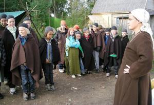 Klass 4 i vikingakläder.                                                                FOto: Ida Molander-Johansson