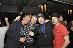 Pelle Sjöbom, Magnus Rudberg och Göran Sundkvist från Sundsvall tillsammans med Sven Bromée från Klövsjö.