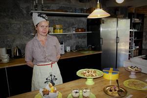 Karin Öst stod för fikaförsäljningen.