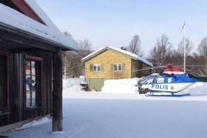 På måndagen flög polisen helikopter för att försöka säkra spår efter inbrottstjuvar i Bruksvallarna. Vid en misshandel under lördagsnatten i Funäsdalen fanns inga resurser att tillgå.