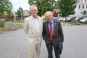 Kjell Söderberg och Leif Hansen kom in med namnlistor från Ljusdal.