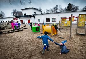 Ekalmen var en efterlängtad skola. Nu går drygt 200 elever här. Bild: Lennart Lundkvist