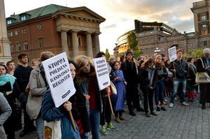 Debatten om Skånepolisens registrering av romer är ett av flera uttryck för den strukturella rasism som fortfarande präglar det svenska samhället, skriver Aleksander Gabelic och Karin Lundqvist Zelander.