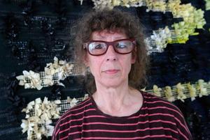 Monica Nilsson återanvänder textilier på sin nya utställning på Galleri S, som öppnar i dag. Foto: Tomas Larsson