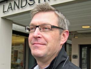 Firmatecknare 1: Erik Lövgren (S), landstingsstyrelsens ordförande.