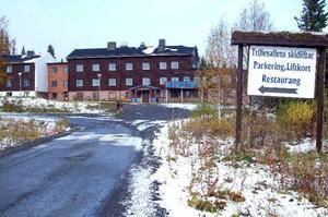 Enligt de nya planerna ska hotellet i Trillevallen öppna i någon form, exakt vilken är inte klart än. Även liftområdet ska utvecklas men detaljerna är fortfarande inte klara. Foto: Elisabet Rydell-Janson